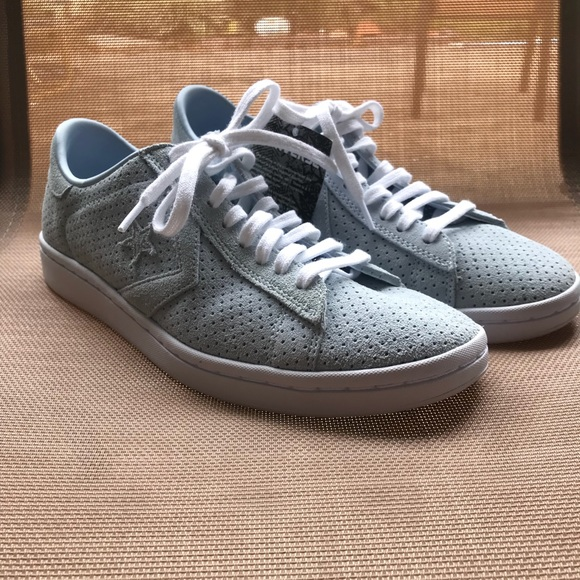 Converse Pro Leather Perforated Suede Low Top Shoe NWT